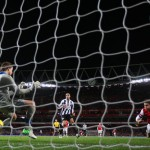 Olivier Giroud heads in Arsenals fifth goal 2